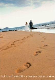 Footprints in the Sand! islandweddingmemories.com #mauiweddings #footprintsinthesand #mauibeachweddings
