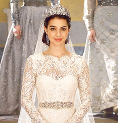 Mary's Wedding Dress is gorgeous.
