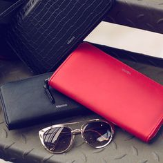Black or Red?  #dailyessentials #vilanova #vilanova_accessories #accessories #glasses #fashion #fashiongirls #itgirls