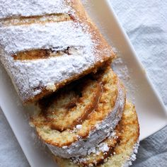 Recipe of Swiss Roll, a delicious cake filled with dulce de leche (milk caramel) Sifted Flour, Tray Bakes, Yummy Cakes, Cooking Time, Caramel, Apple Pie, French Toast, Oven, Baking
