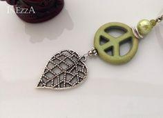 Peace Zeichen aus Howlith mit Velourband Kette von INEZZA  -  Geschenkestübchen auf DaWanda.com
