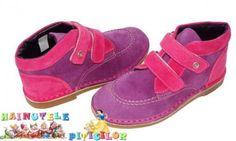 Magazin online incaltaminte copii se pregateste de Craciun! Hello Kitty, Baby Shoes, Kids, Clothes, Fashion, Young Children, Outfits, Moda, Boys