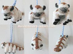 Appa Amigurumi Keychain by musogato on DeviantArt Crochet Feather, Diy Crochet, Crochet Ideas, Pumpkin Carving Contest, Sewing Patterns, Crochet Patterns, Crochet Keychain, Avatar Aang, Sticks
