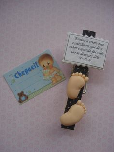 Prendedor porta recado! | Maria Cardinale Arte em biscuit | Flickr Baby Pasta, Baby Shower Invitaciones, Biscuit, Pasta Flexible, General Crafts, Cold Porcelain, Baby Boy Shower, Polymer Clay, Projects To Try