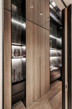 Home is where heart is. If you are a luxury design-lover, these design ideas are for you! Small Luxury Homes, Luxury Homes Interior, Home Interior Design, Interior Architecture, Interior Decorating, Shelving Design, Shelf Design, Cabinet Design, Piece A Vivre