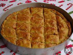 Πρασόπιτα (10) Pita Recipes, Greek Recipes, Dessert Recipes, Cooking Recipes, Desserts, Greek Pita, Cheese Pies, Greek Cooking, Middle Eastern Recipes