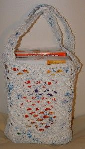 Awesome tote bag using plarn I keep intending to make one of these!