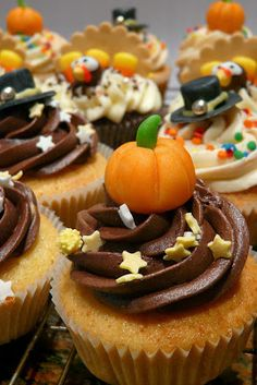 DIY ~ Pumpkin Cupcake Decorations