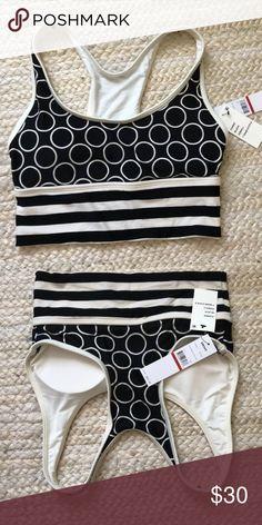 74aa641732bb DKNY bikini top athletic wear size xs NWT Black and cream NWT DKNY athletic  top