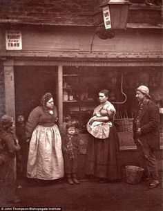 In 1876, John Thompson used the new medium of photography to document the difficulties of urban life in Victorian London, showing a wide range of issues people of the time faced Read more at http://www.iheartchaos.com/post/20468033795/photographs-of-street-life-in-1870s-victorian-london#wUfWyEHw2zDzamKe.99