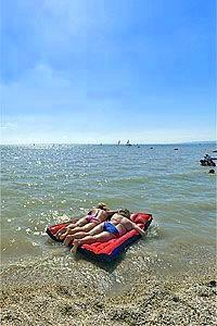 Seebad Neusiedl am See - kúpanie ako pri mori - MojeRakusko. Beach Mat, Outdoor Blanket, Travelling