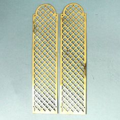 A nice pair of reclaimed, pierced brass fingerplates featuring a rounded top. In good condition, polished and ready to fit. £22.00