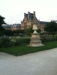 Tuilleries 2013 This garden is perfect for joggin for Cedric
