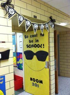 Classroom displays b School Door Decorations, Class Decoration, Classroom Displays, Classroom Themes, Classroom Resources, Teacher Doors, Preschool Bulletin Boards, School Doors, Welcome Back To School