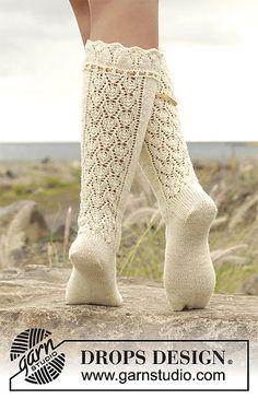 Marie Antoinette pattern by DROPS design Lace Socks, Knit Mittens, Crochet Slippers, Knit Or Crochet, Knitting Socks, Drops Design, Knitting Patterns Free, Free Knitting, Free Pattern