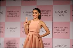 Shraddha Kapoor  Goes 'Weightless' At The Launch Of  Lakmé 9to5 Mousse Foundation http://actfaqs.com/Shraddha-Kapoor-Goes-Weightless-At-The-Launch-Of-Lakme-9to5-Mousse-Foundation