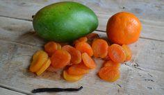 mango, abrikozen, mandarijn en vanillestokje