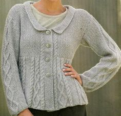 Suéter gris perla - light grey cardigan in seed stitch and cables FREE knitting… Knit Jacket, Sweater Jacket, Grey Sweater, Knit Cardigan, Cardigan Sweaters For Women, Cardigans For Women, Lace Patterns, Knitting Patterns, Pull Gris