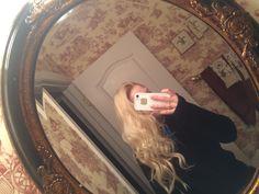 Wrap around wand. Loose curls.
