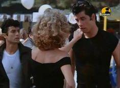 "John Travolta & Olivia Newton-John  interpretan "" You Are The One That I Want "" escrita por John Farrar para la banda sonora de ""GREASE"" (1978)."