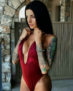 t c Tattoed Women, Sexy Tattoos For Women, Sexy Women, Top Tattoos, Girl Tattoos, Tattoo Girls, Tattos, Chic Tattoo, Sexy Drawings