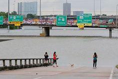 Hurrikan Harvey in Texas: Houston fürchtet weitere Fluten - Naturkatastrophen - derStandard.at › Panorama
