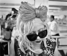 gaga hair bow... how do i go about doing this to my hair?