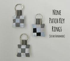 http://sotakhandmade.blogspot.de/2015/06/nine-patch-key-rings-tutorial.html
