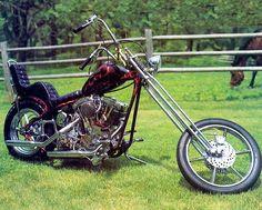 Old School Harley Chopper Motos Harley Davidson, Vintage Harley Davidson, Harley Davidson Forum, Classic Harley Davidson, Davidson Bike, Chopper Motorcycle, Motorcycle Style, Triumph Chopper, Motorcycle Memes