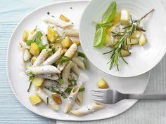 Pasta mit Kartoffeln - und würzigen Kräutern - smarter - Kalorien: 451 Kcal - Zeit: 30 Min. | eatsmarter.de