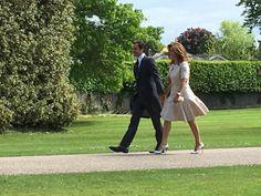 "Belgianeyes: ""La légende du tennis @rogerfederer et la femme Mirka arrivent à St Mark's pour #PippaMiddleton #PippasWedding - Roya Nikkhah"""