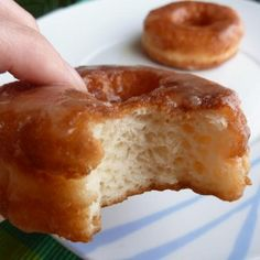 How to make gluten free donuts. Making gluten-free donuts at home is much more . Gluten Free Deserts, Gluten Free Donuts, Gluten Free Recipes For Breakfast, Foods With Gluten, Gluten Free Baking, Vegan Gluten Free, Snack Recipes, Dessert Recipes, Desserts