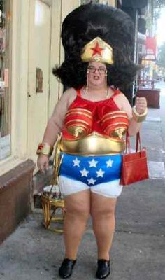 People of Walmart In Weird Outfits: yes this is at walmart. Old lady dresses up as a wonder woman and goes shopping at walmart. People Of Walmart, Darwin Awards, Wonder Woman, Classy People, Fantasias Halloween, Crazy Outfits, Stay Classy, Coldplay, Just For Laughs