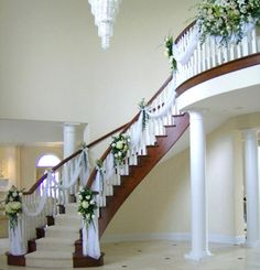 My reception venue features a huge staircasepossibility nice house wedding decorations ideas for aspiration check more at httprockwellpowers junglespirit Choice Image