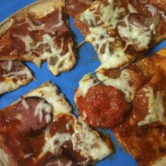 Delicious low carb pizza! Fast kids love it will make again. Flatout light italian with great value pizza sauce veggies pepperoni a little leftover sausage and mozzarella cheese. Kids made it their way a win-win!