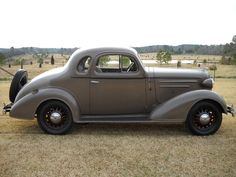 36 chevy  looks very similar to ol blue,   minus the wheel