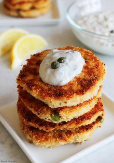 Crab Cakes. devour-blog.com