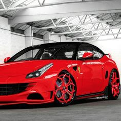 Red Hot Ferrari FF                                                                                                                                                                                 Mais