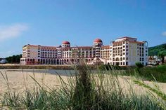"In a region of the Black Sea once called ""Helio-polis"" (The city of the Sun), the Hotel Riu Helios Bay (All Inclusive) is located on the banks of the Obzor beach, Bulgaria. Hotel Riu Helios Bay - Hotel in Obzor, Bulgaria - RIU Hotels & Resorts"