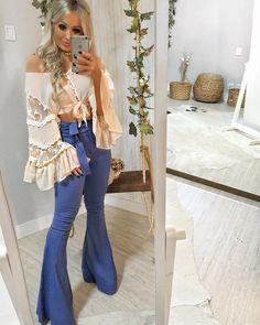 "bd360cf6b Guapa Vip Store on Instagram  ""LINDEZA 🎀 Cropped super FOFO com essa manga  maravilhosaaaa + Maxi flare jeans com moletinho e nózinho na cintura!"