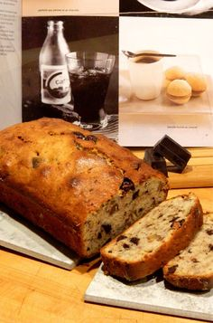 Madame Anne aux fourneaux: Pain aux bananes et au chocolat Apple Breakfast, Muffin Bread, Biscuits, Banana Bread, Sweet Tooth, Muffins, Food And Drink, Sweets, Cookies