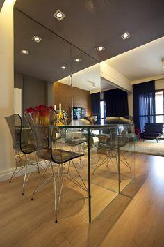 Pequeno apartamento de 45 m² parece surpreendentemente espaçoso. São Paulo, Brasil.  Design de interiores: Mauricio Karam.  http://www.homedit.com/small-apartment-surprisingly-spacious-interior/