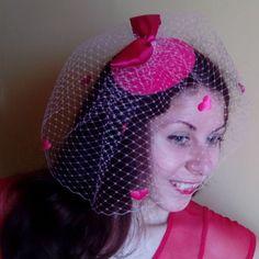 Cappello rosa con un velo e il cuore di Lanadresspl su Etsy