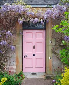 Happy #NationalPinkDay! We're celebrating by admiring this lovely door painted in our truest pink, #NancysBlushes. : @nikkimcwilliams