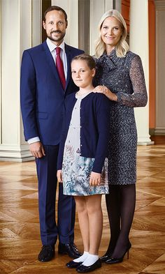 The royal court of Norway has released three new portraits of Princess Ingrid Alexandra on the occasion of her twelfth birthday Crown Princess Victoria, Crown Princess Mary, Princess Alexandra, Princess Elizabeth, Ingrid Alexandra, Norwegian Royalty, Style Royal, Estilo Real, Royal Court