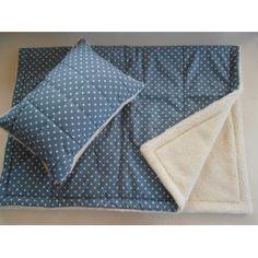 2-dielna VLNENÁ SÚPRAVA z OVČIEHO RÚNA a 100% bavlny De Luxe STAR hviezda Sivá/ šedá Prikryvka 135 x200= 1ks Polštář/ Vankúš/ Poduška 50 x70 cm= 1 ks 100% ovčia vlna MERINO vo vlase 100% Bavlna---------------------------------- Na mieru prikrývka : 135 x 220 cm, 140 x 220 cm, 150 cm x 220 cm Polštář: 70 x 90 cm, 40 x 60 cm,...