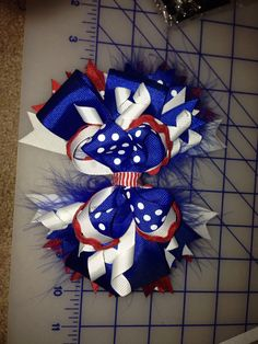 Cat in the hat thing 1 inspired bow