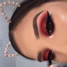Red Makeup Looks, Red Eye Makeup, Colorful Eye Makeup, Simple Eye Makeup, Glam Makeup, Eyeshadow Makeup, Natural Makeup, Hair Makeup, Makeup Hairstyle