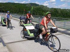 Tři mámy, tři vozíky Croozer a Podunajská stezka