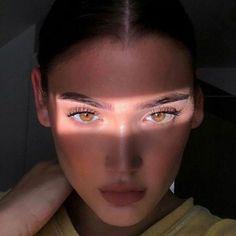 Skin Makeup, Beauty Makeup, Hair Beauty, Aesthetic Makeup, Aesthetic Girl, Pretty Eyes, Beautiful Eyes, Model Tips, Photographie Portrait Inspiration